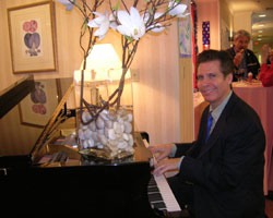 When you need to hire an experienced and reliable Philadelphia pianist for your wedding, cocktail party, or special event, hire Arnie Abrams. Call (877) 255-5883.