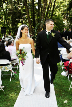 Make your special day unique with a professional New Jersey wedding ceremony pianist. Whether you're having an indoor or outdoor wedding, Arnie Abrams provides the best live wedding and reception music.