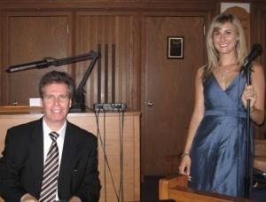 Arnie and his talented vocalsit, Kristin Mularz