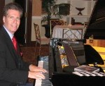 Arnie-on-the-Piano-at-a-Cocktail-Hour-at-The-Palace-in-Somerset-NJ-300x122