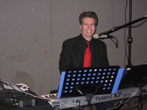 Arnie performing at a NJ Christmas Party