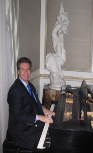Arnie and famed NJ Officiant Richard Cash doing a wedding in Rumson, NJ - See more at: https://www.arnieabramspianist.com/new-jersey-pianist-arnie-abrams-faq/#sthash.n7yUHBGF.dpuf