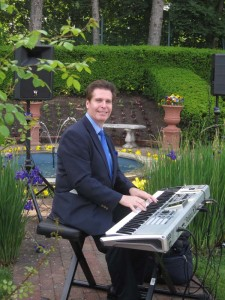 NJ Pianist Arnie at an Outdoor Wedding at the Pleasantdale Chateau in West Orange, NJ