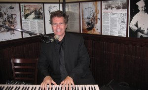 NJ Pianist Arnie at the Palm West in Manhattan-6-2010